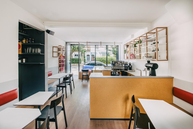 Fenix-EJ-Ryder-Esters-Cafe